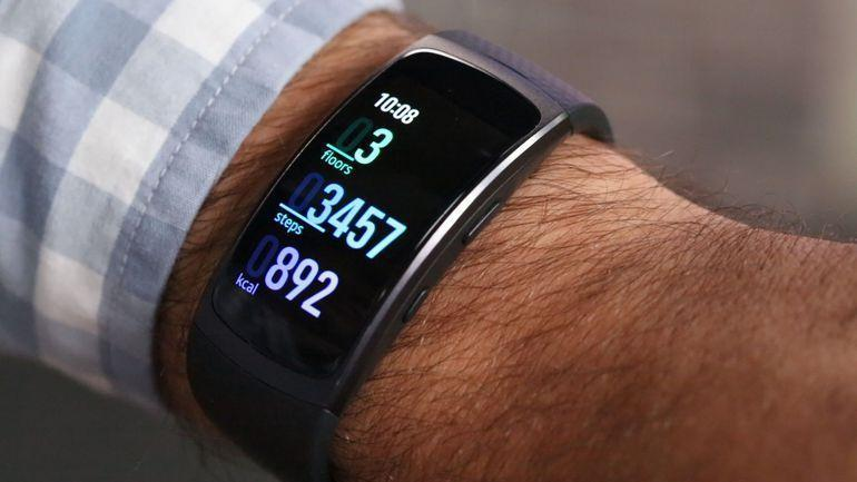 Samsung Gearfit Pro Sm R365 Shows Up On The Fcc