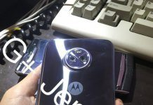 Moto X4 backside in blue color